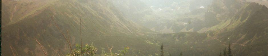 7-przed nami widoczny est szlak który znika hen za następną górą