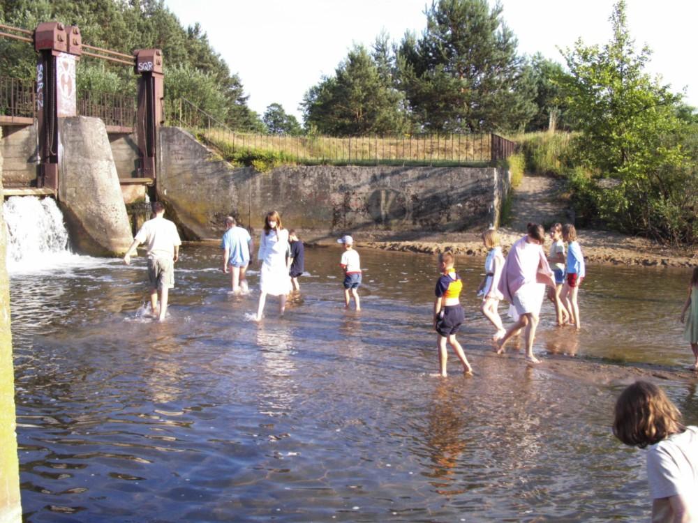 8-Niektórzy zastanawiali się czy woda nie okaże się nieco za płytka...